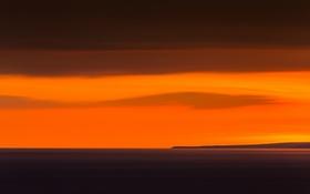 Обои море, облака, закат, остров, горизонт, оранжевое небо