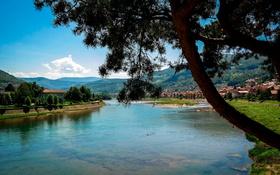Обои Gorazde, горы, дома, деревья, Босния и Герцеговина, река, город