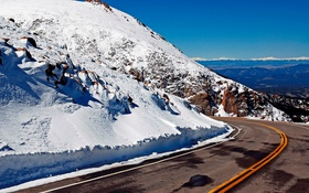 Обои асфальт, желтые, горы, снег, дорога обои, поворот картинки, линии фото