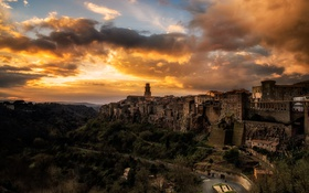 Обои sunset, cloud, italy, town, pitigliano