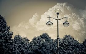 Обои тучи, город, столб, Санкт-Петербург, фонарь