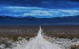 Обои дорога, небо, облака, горы, холмы, пустыня, горизонт