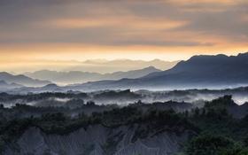 Картинка туман, горы, закат
