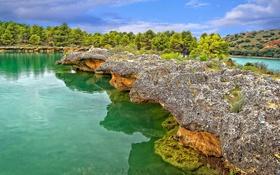 Картинка небо, деревья, скала, озеро, река, холмы