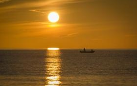 Обои закат, горизонт, лодка, рыбак, жёлтый, море