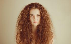 Картинка девушка, волосы, губы, прямой взгляд