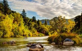 Обои осень, облака, деревья, река, камни, Калифорния, США