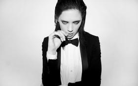 Картинка взгляд, бабочка, костюм, черно-белое, пиджак, Delfina Chaves