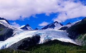 Обои ледник, облака, трава, небо, горы, снег, склон
