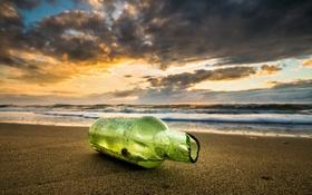 Обои бутылка, побережье, рассвет, пляж, море, песок