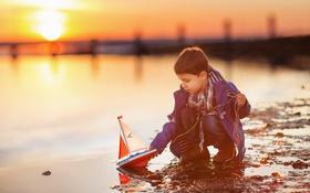Картинка закат, корабль, мальчик