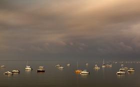 Картинка тучи, озеро, небо, лодки, яхты