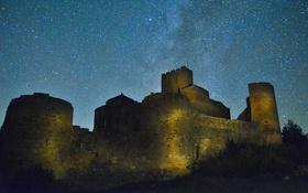 Обои космос, звезды, замок, фары, Млечный Путь