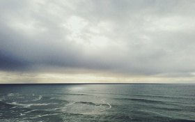 Обои waves, sea, clouds, horizon, sunlight, rainy