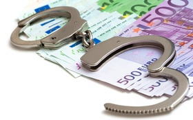 Обои metal handcuffs, money, illegal, corruption