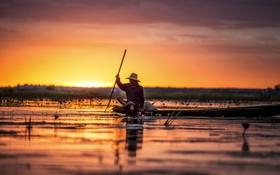 Обои закат, зеркало, отражение, озеро, рыбак, каноэ, цветы