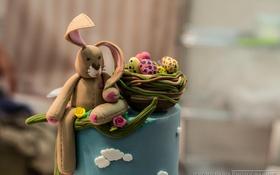 Обои корзина, заяц, яйца, торт, украшение