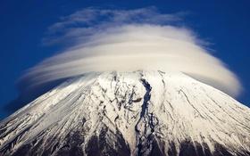 Обои облака, снег, гора, Япония, Фудзияма