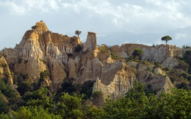Картинка деревья, природа, скалы, town of Ille-sur-Têt