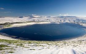 Обои зима, снег, озеро, гора, вулкан, Овернь, La Godivelle