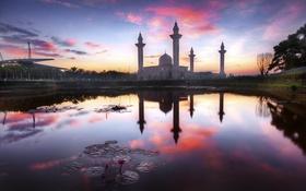 Обои пейзаж, озеро, рассвет, здание, архитектура, Kuala Lumpur, Masjid Tengku Ampuan Jemaah