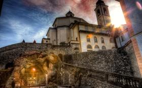 Обои стены, Италия, лестница, церковь, лучи солнца, Domodossola