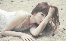 Обои азиатка, Девушка, песок