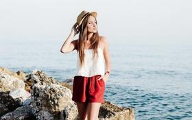 Картинка девушка, шорты, шляпа