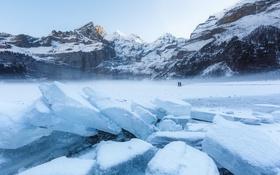 Обои люди, горы, лёд