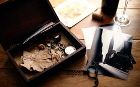 Обои фото, часы, шкатулка, штопор, Memories, безделушки
