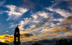 Обои крыша, небо, облака, деревья, закат, вечер, силуэт