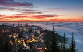 Обои Italy, Bergamo, Sea of fog surrounding Città Alta