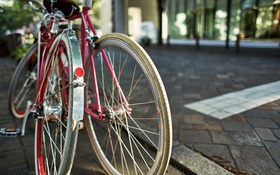 Картинка город, улица, велосипеды