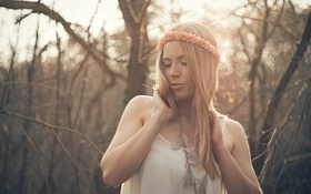 Картинка girl, forest, blouse, eyes, bokeh, lips, hair