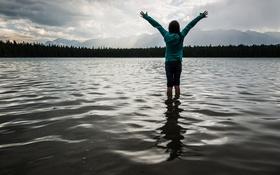 Картинка вода, Девушка, руки