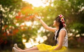 Обои лето, пузыри, девочка