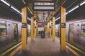 Картинка метро, мусор, станция