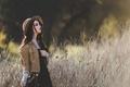 Картинка поле, девушка, шляпа, макияж, куртка, джинсовка
