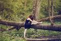 Картинка лес, девушка, деревья, профиль, шатенка, длинноволосая