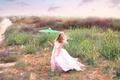 Картинка ветер, зонт, платье, девочка