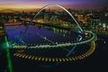 Картинка ночь, огни, река, Англия, дома, арка, Гейтсхед