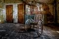 Картинка комната, двери, коляска