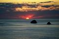 Картинка море, небо, облака, закат, камни, горизонт, островок