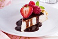 Картинка ягоды, малина, шоколад, клубника, тортик