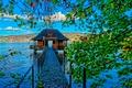 Картинка листья, природа, озеро, лодочный домик