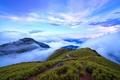 Картинка небо, трава, облака, горы, тропинка, кусты
