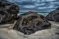 Картинка песок, море, тучи, камни, берег