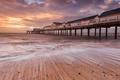 Картинка море, пляж, рассвет, дома, пирс, British Isles
