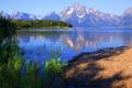 Картинка небо, снег, деревья, горы, озеро, отражение, Вайоминг
