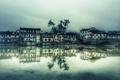 Картинка облака, озеро, отражение, дерево, дома, зеркало, Китай